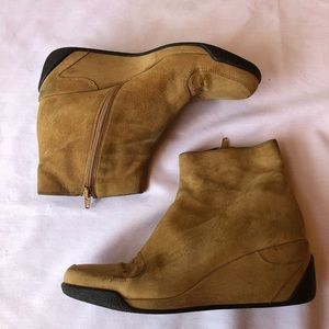 Via Spiga Tan Size 9 M Wedge Ankle Suede Boots